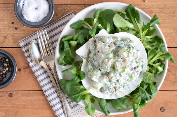 Салат из морских гребешков с травами