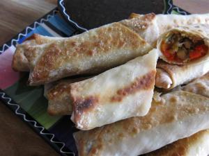Eggrolls с домашним соусом терияки